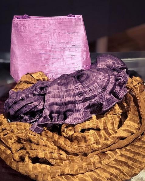 Sac et foulards Venetia Studium plissés