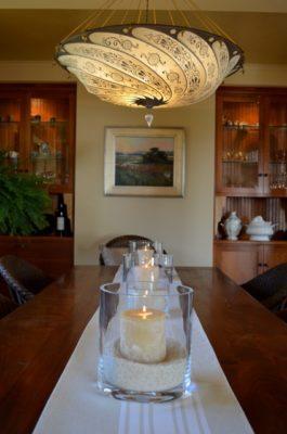 Lampe en soie en maison à Pacific Grove, Californie, États-Unis