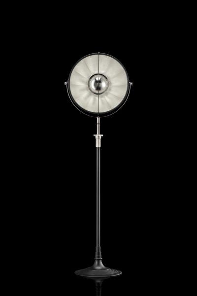 Studio 1907 Fortuny lampadaire Atelier 41 noir et feuille d'argent