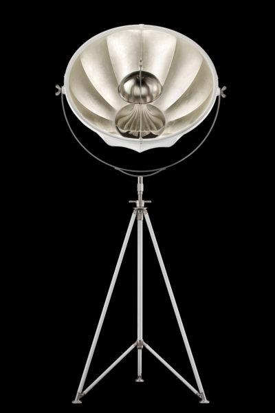 Lampadaire trépied Fortuny ® Studio 76 blanc et argent