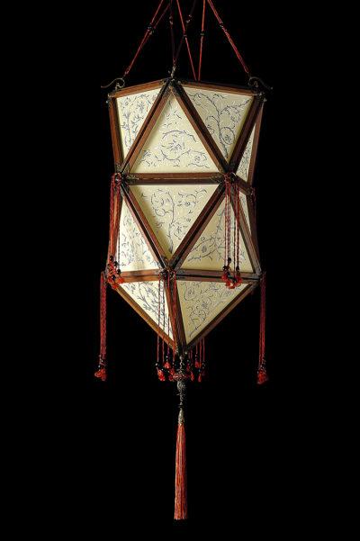 Fortuny Concubine Favorita lampe en soie avec structure en bois