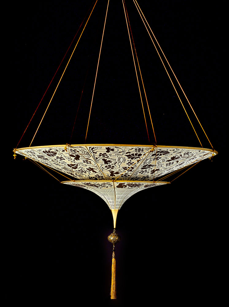 Lampe en soie Scheherazade à 2 niveaux décoration Marron florale, vue de côté