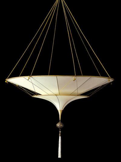 Lampe en soie unie Scheherazade à 2 niveaux Fortuny Plain, vue de côté