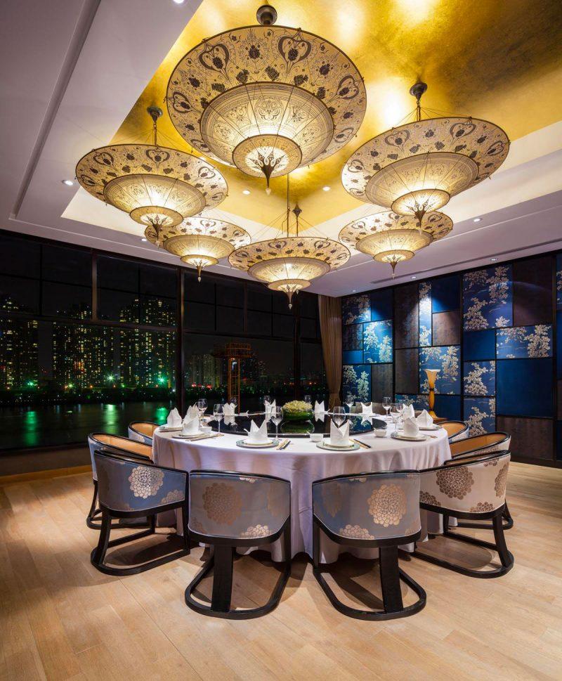 Lampe en soie à 3 niveaux Scheherazade Fortuny décoration Géométrique, restaurant