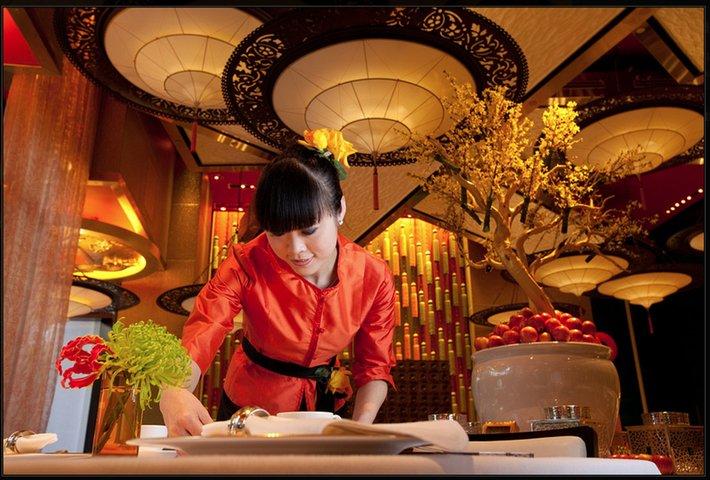 GOLDEN FLOWER Restaurant en Chine avec lampes Fortuny