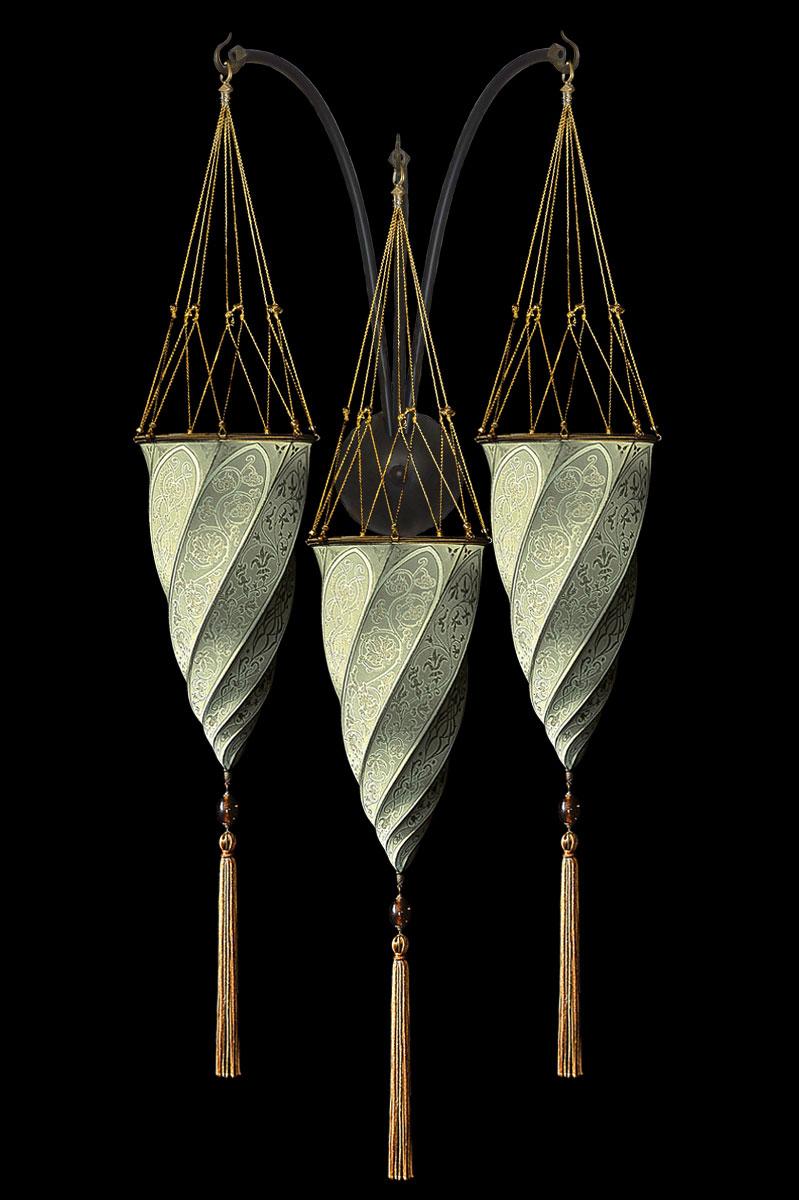 Applique Fortuny Cesendello en soie gris sauge en forme de triple arc