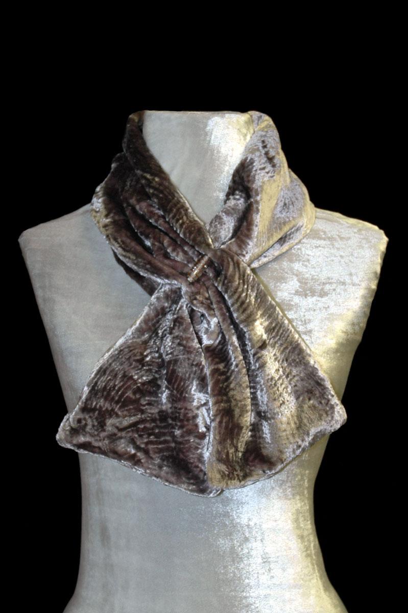 Écharpe Fortuny olive sable en velours froncé et perles de verre de Murano