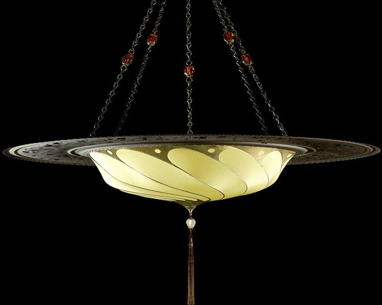 Luminaire Scudo Saraceno Plain en soie jaune ôcre avec l'anneau en métal