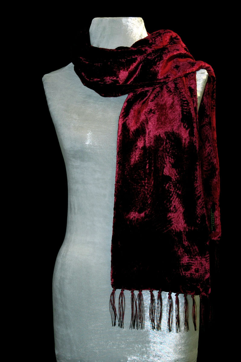 Écharpe Fortuny en velours froncé à franges rouge foncé