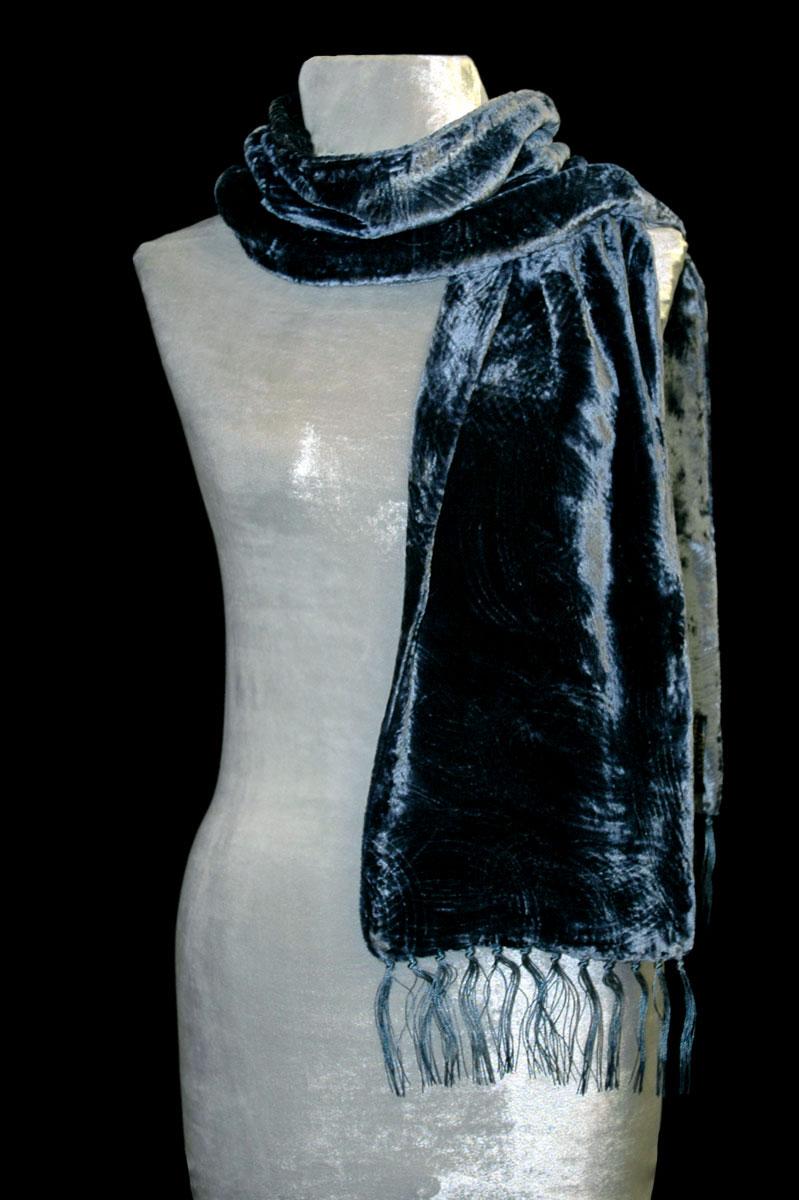 Écharpe Fortuny en velours froncé à franges bleu de Prusse