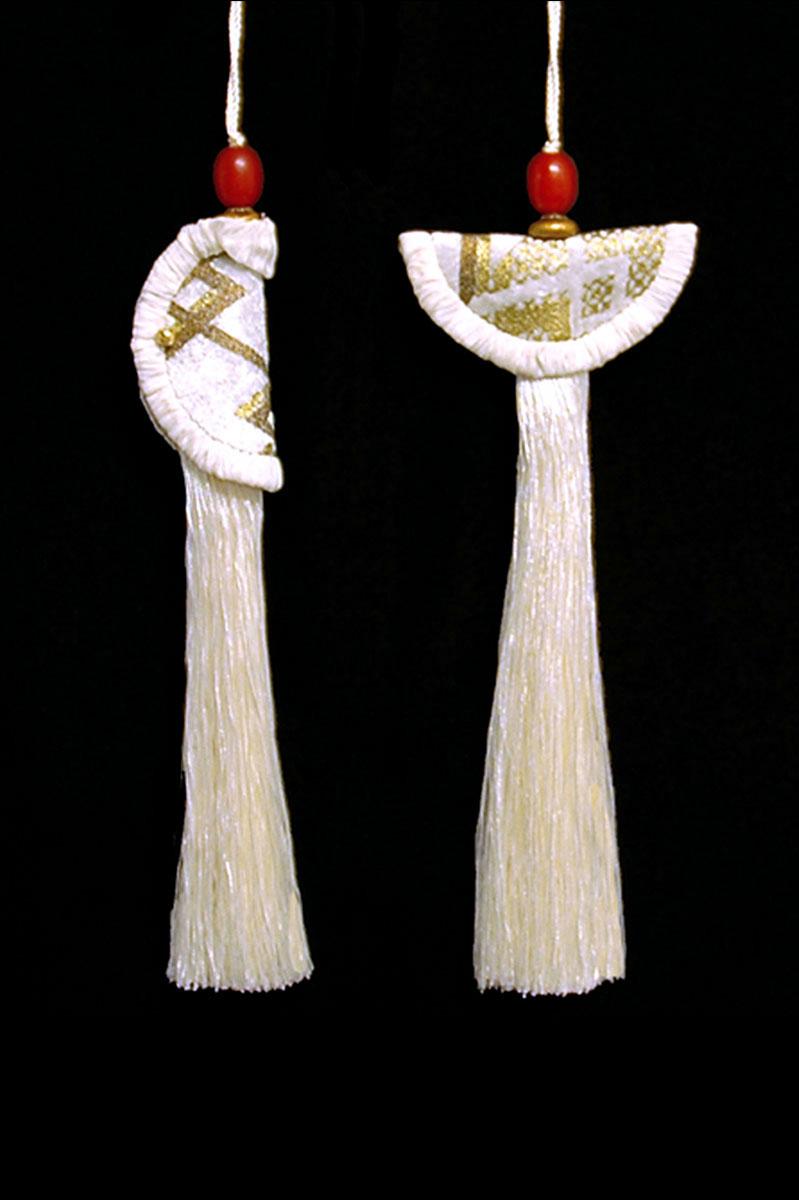 Venetia Studium couple of white Geisha & Samurai key tassels