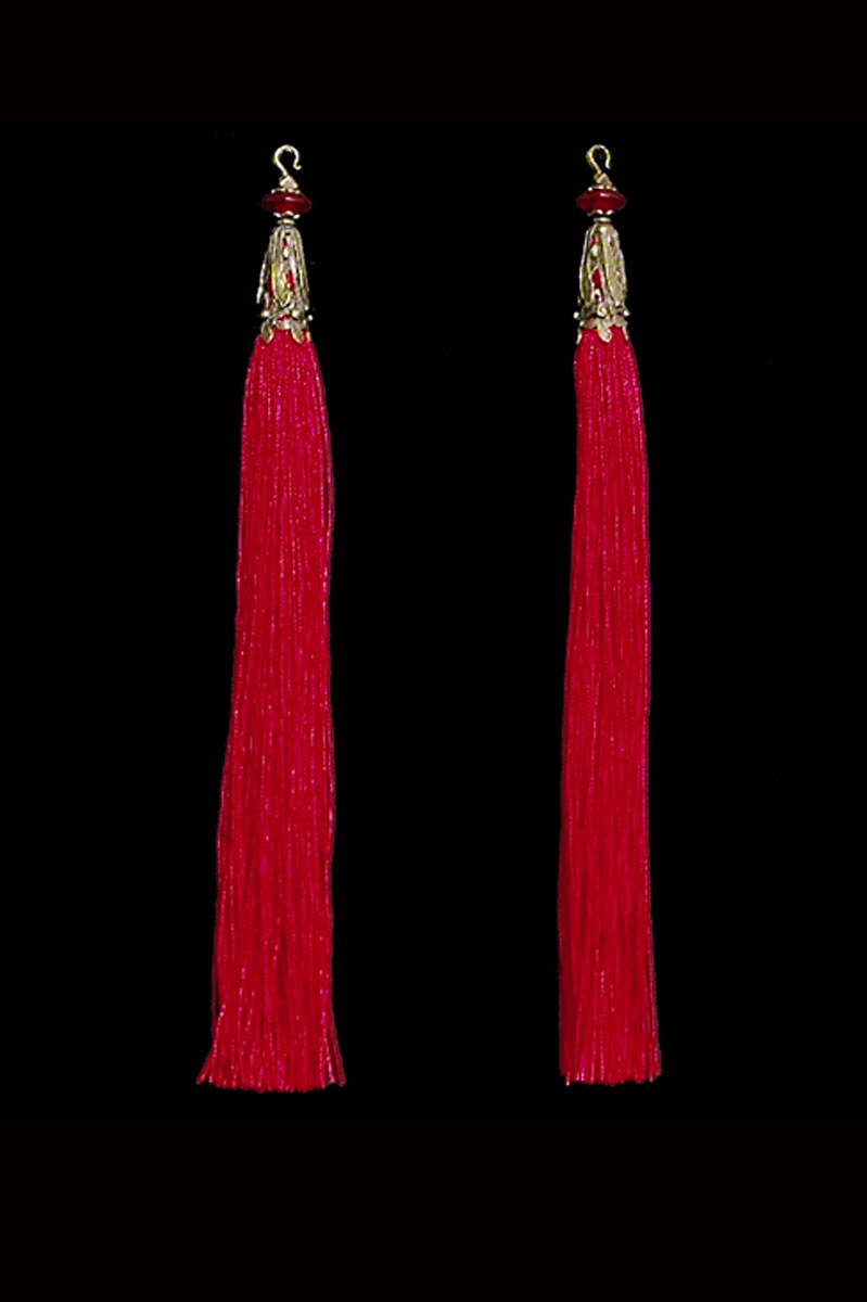 Venetia Studium couple of red hook tassels