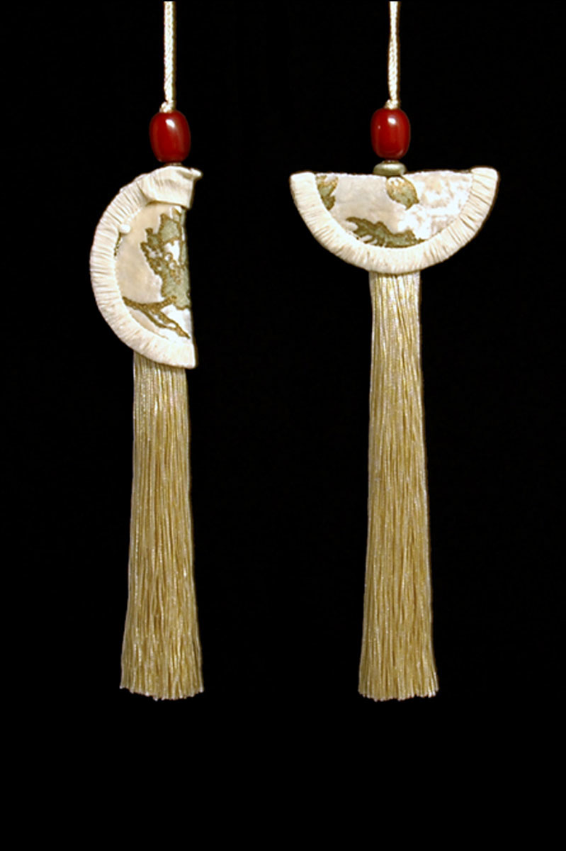 Venetia Studium couple of vanilla Geisha & Samurai key tassels