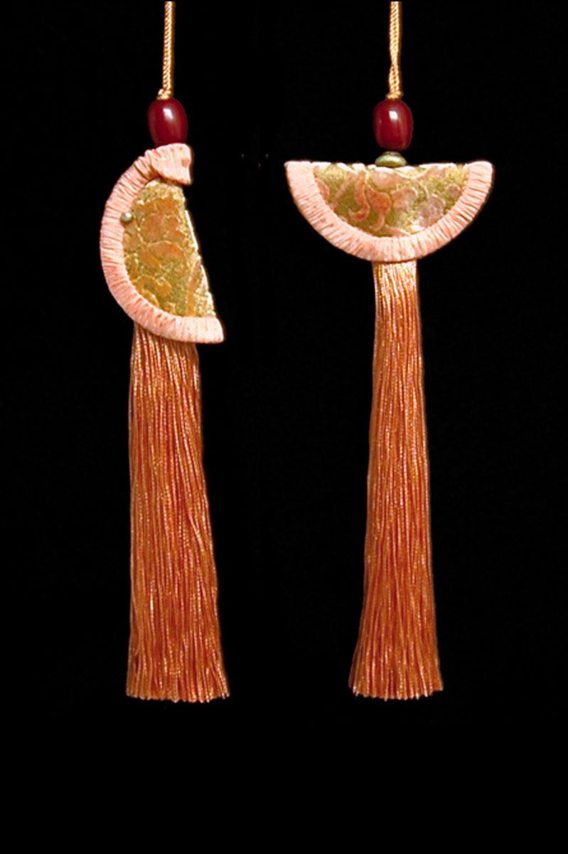 Couple de Glands de clés - pompons Geisha et Samurai de Venetia Studium en rose saumon