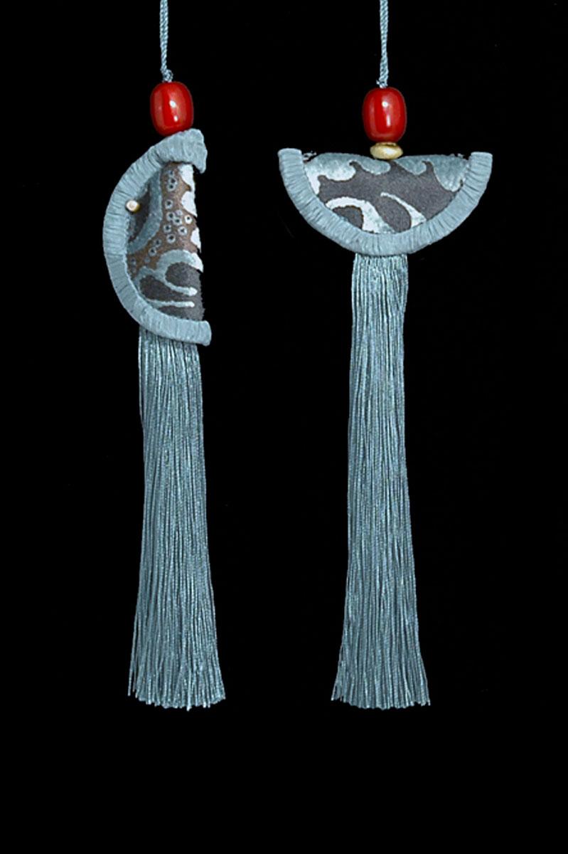 Couple de Glands de clés - pompons Geisha et Samurai de Venetia Studium en bleu ardoise
