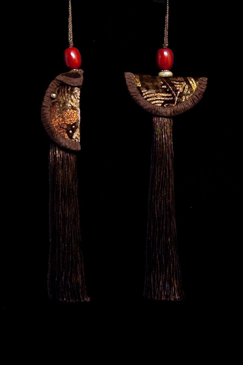 Couple de Glands de clés - pompons Geisha et Samurai de Venetia Studium en sépia