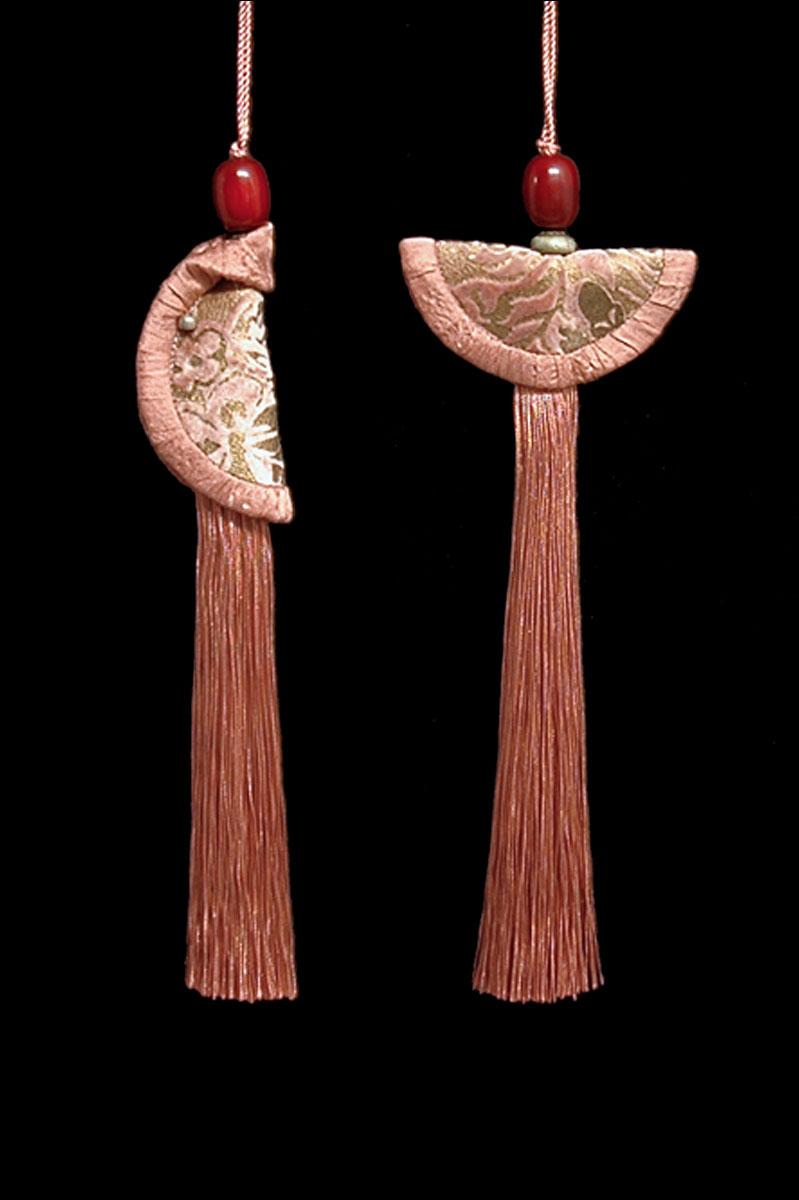 Couple de Glands de clés - pompons Geisha et Samurai de Venetia Studium en brun liège