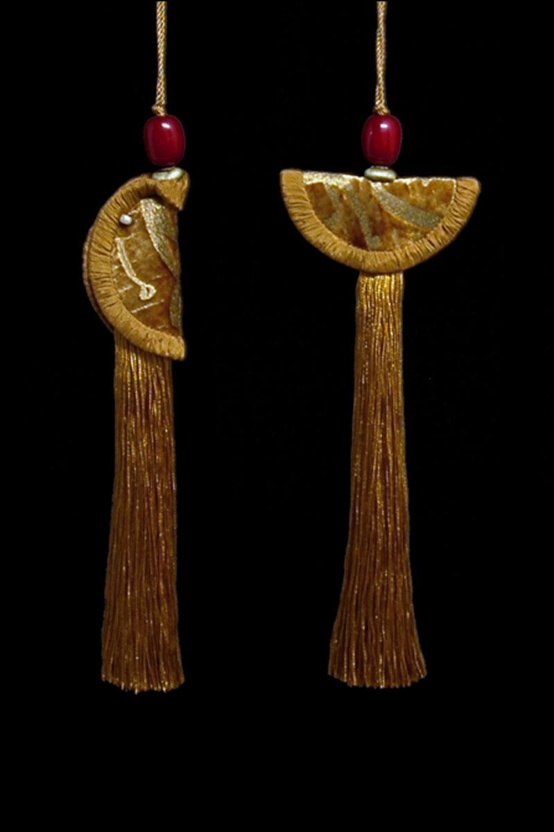 Venetia Studium couple of brown gold Geisha & Samurai key tassels