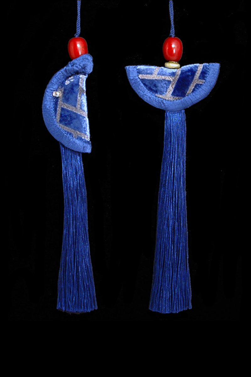Venetia Studium couple of prussian blue Geisha & Samurai key tassels