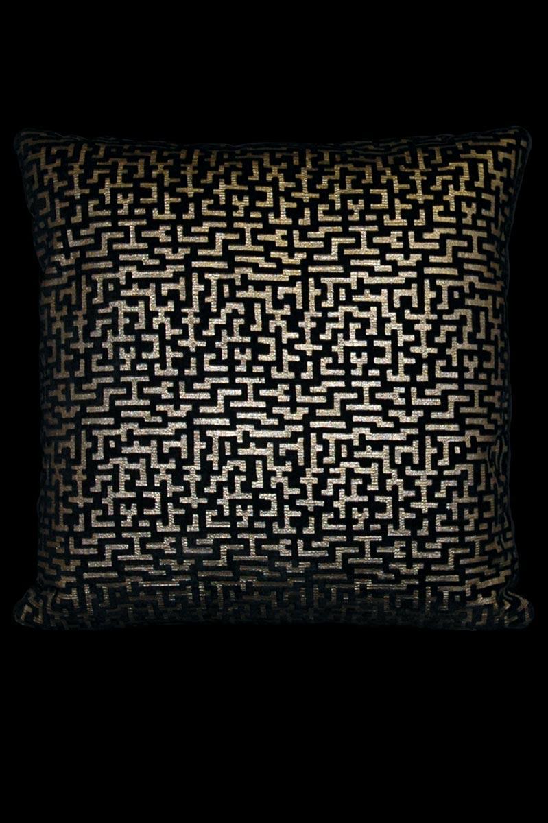 Coussin Venetia Studium carré en velours noir imprimé Labirinto