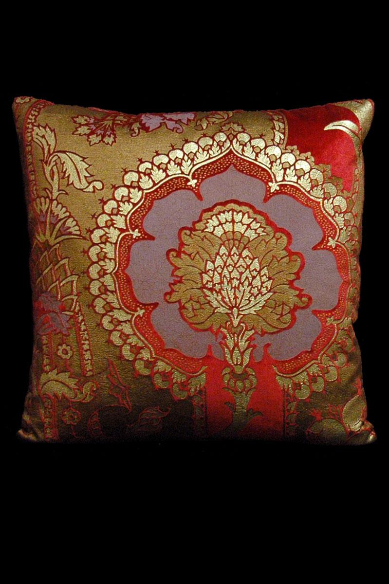 Coussin Venetia Studium carré en velours rouge imprimé San Gregorio