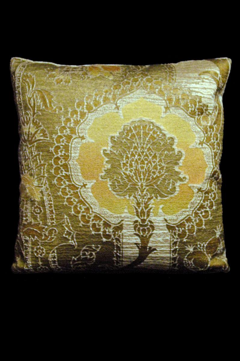 Coussin Venetia Studium carré en velours beige-jaune imprimé San Gregorio