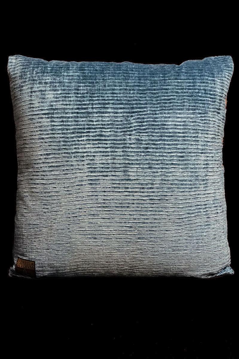 Coussin Venetia Studium carré en velours imprimé Glicine arrière